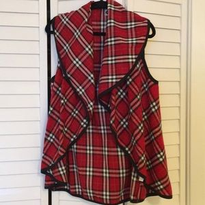 Mudpie Red plaid vest with black trim. One Size.